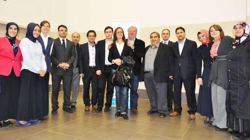 Le bourgmestre de Bruxelles Freddy Thielemans accueilli à l'Ecole des Etoiles